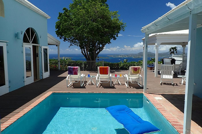 Plumeria Villa: View over the pool